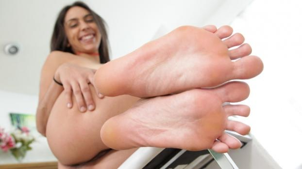 Footfetishdaily.com- Lilly Hall Behind The Scenes