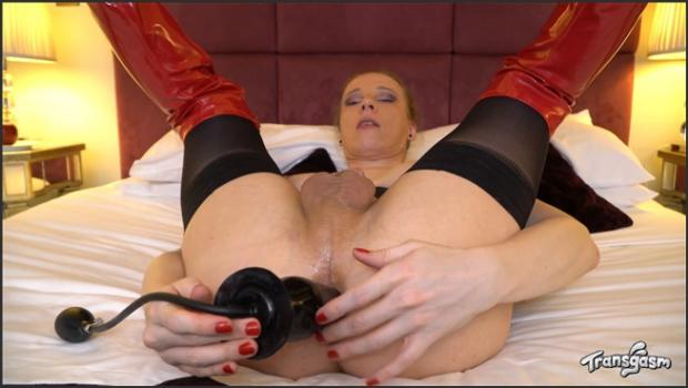 Transgasm.com- Come Play With Red Vex