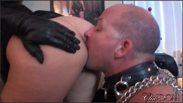 Clubdom.com- Michelle_s Pleasure Slave 4: Ass Worship
