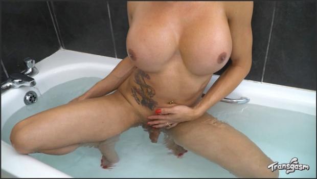 Transgasm.com- Vanessa Johns Takes A Bath