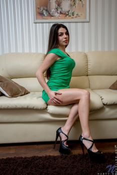 Nubiles.net--Photo- Hot Chick