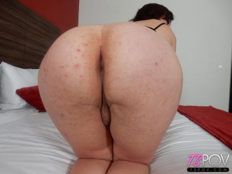 Tspov_com- lusty TS babe has fun sucking the cock