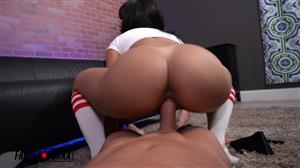 amateurboxxx-20-06-11-julz-gotti-handles-her-step-dads-joy-stick.jpg
