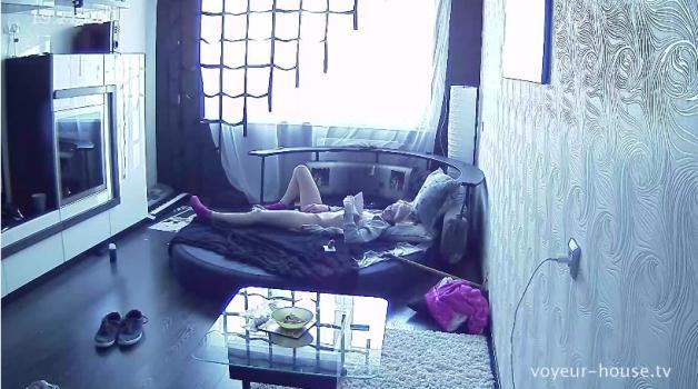 Voyeur-house.tv- Anna bating to phone porn
