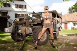 sexyvenera-army-jeep-05.jpg
