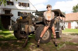 sexyvenera-army-jeep-06.jpg