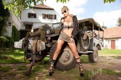 sexyvenera-army-jeep-07.jpg