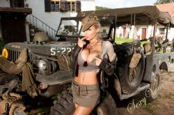 sexyvenera-army-jeep-12.jpg