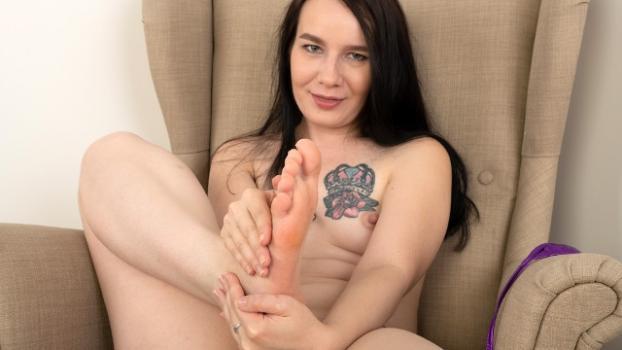 Footfetishdaily.com- Sally Storm Bikini Flossing