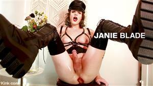 kinkybites-20-08-31-janie-blade-leather-mommy.jpg