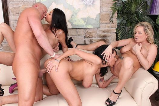 Wankz.com- Wild Pussy Foursome For Steven On The Red Couch HD