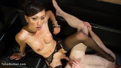 Kink.com- Obedient Boy: Venus Lux Torments  Fucks Her Delivery Boy