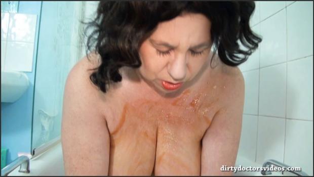 Dirtydoctorsvideos.com- Beanz in the Bath