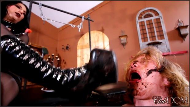 Clubdom.com- Temptress Raven Eve Muddy Boots