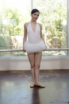 https://t45.pixhost.to/thumbs/402/162312105_petite_ballerina_spinner_005.jpg