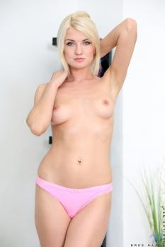 Nubiles.net--Photo- Perky Tits
