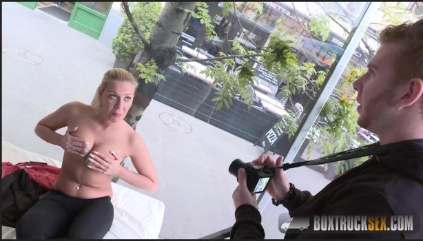 Boxtrucksex.com- Vivien Blonde gives a blowjob