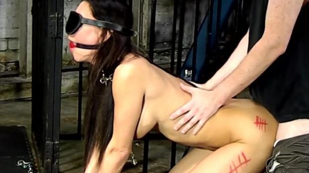 Spizoo.com- Jessica Gets Trapped 2