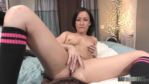 Jennifer White - Show Me How It's Done 720р