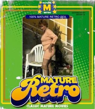 Mature.nl- Kinky mama fucking two guys at once