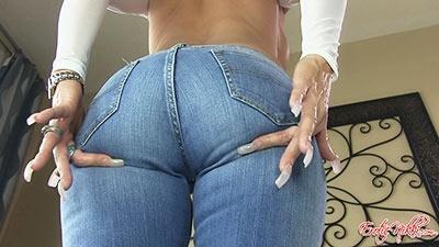 Eroticnikki.com- Prime MILF Ass In Jeans