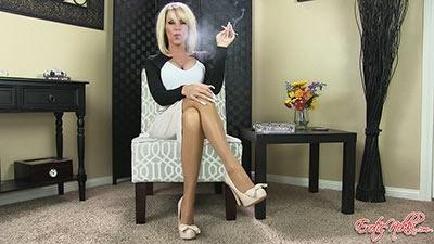 Eroticnikki.com- Crossing Legs While Smoking VS120