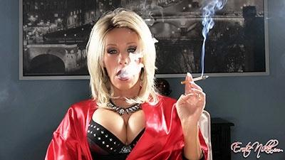 Eroticnikki.com- Saratoga Smoking MILF