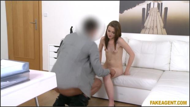 Fakehub.com- Young Babe Wants to Get Rich