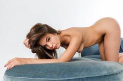 zoyaechaiselongue_037_erotic-art-photography_gallery.jpg