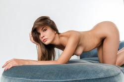 zoyaechaiselongue_038_erotic-art-photography_gallery.jpg