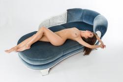 zoyaechaiselongue_042_erotic-art-photography_gallery.jpg