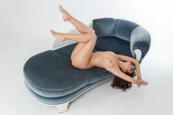 zoyaechaiselongue_046_erotic-art-photography_gallery.jpg