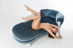 zoyaechaiselongue_047_erotic-art-photography_gallery.jpg
