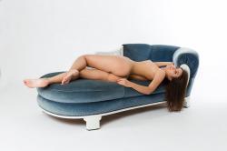 zoyaechaiselongue_049_erotic-art-photography_gallery.jpg